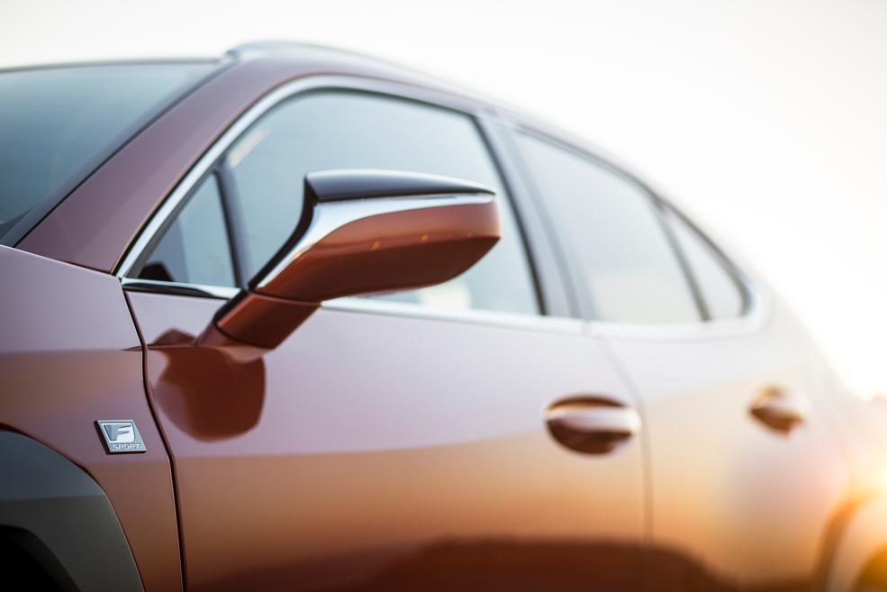 Lexus UX детали кузова