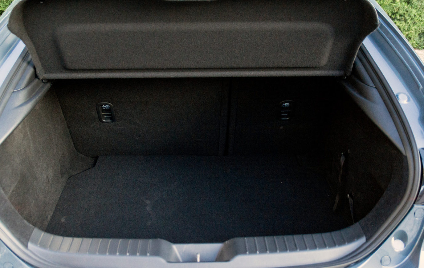 Mazda 3 багажник