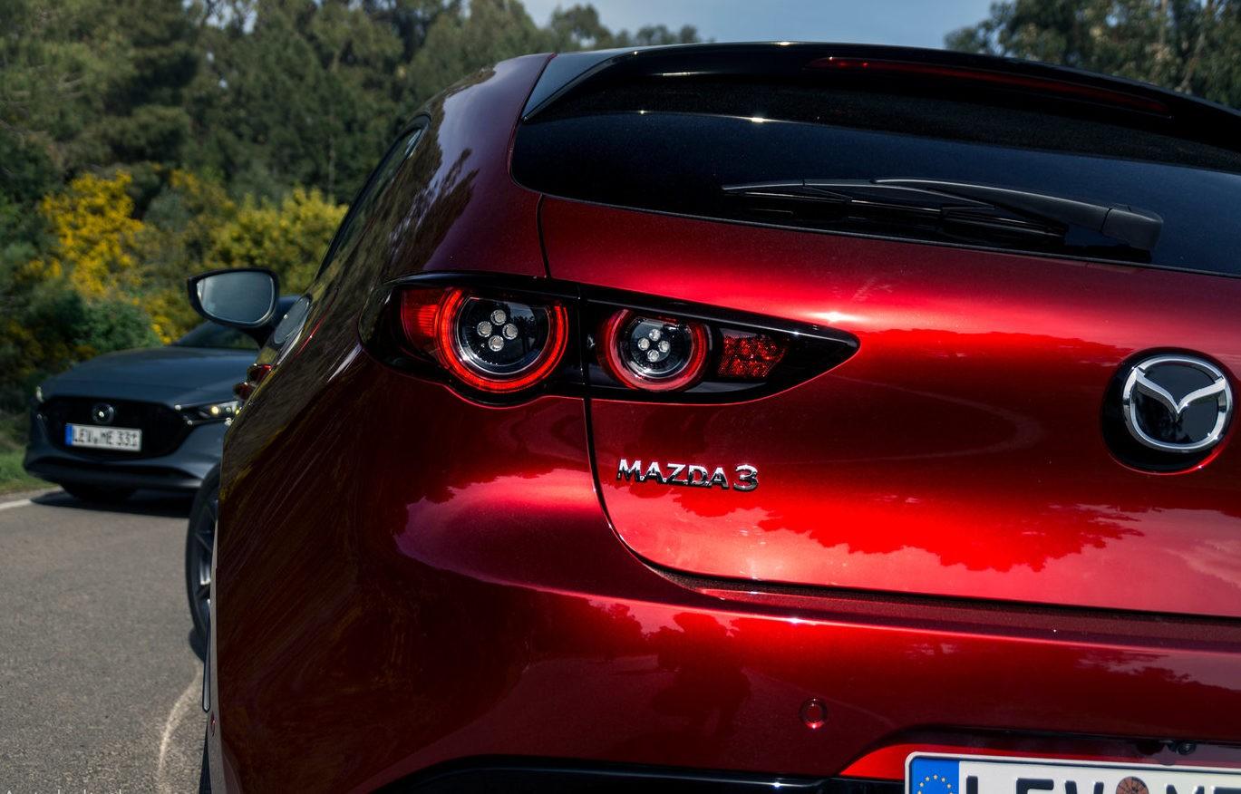 Mazda 3 бампер