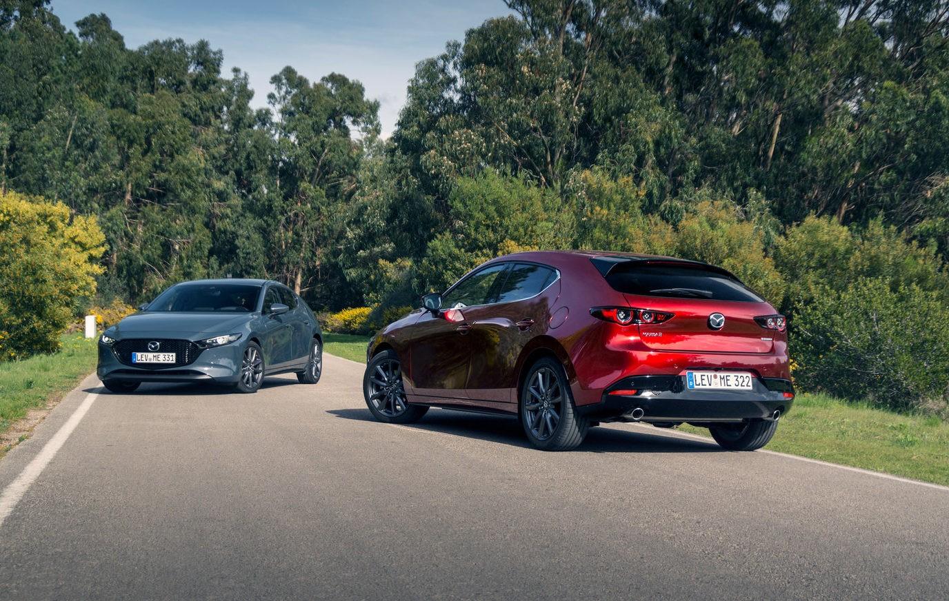 Mazda 3 фото