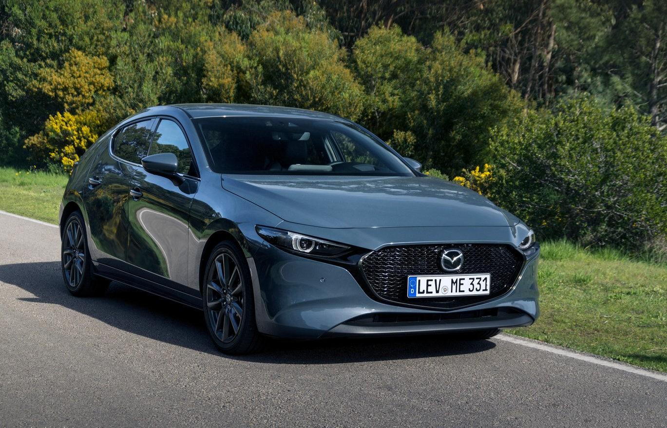 Mazda 3 фото спереди