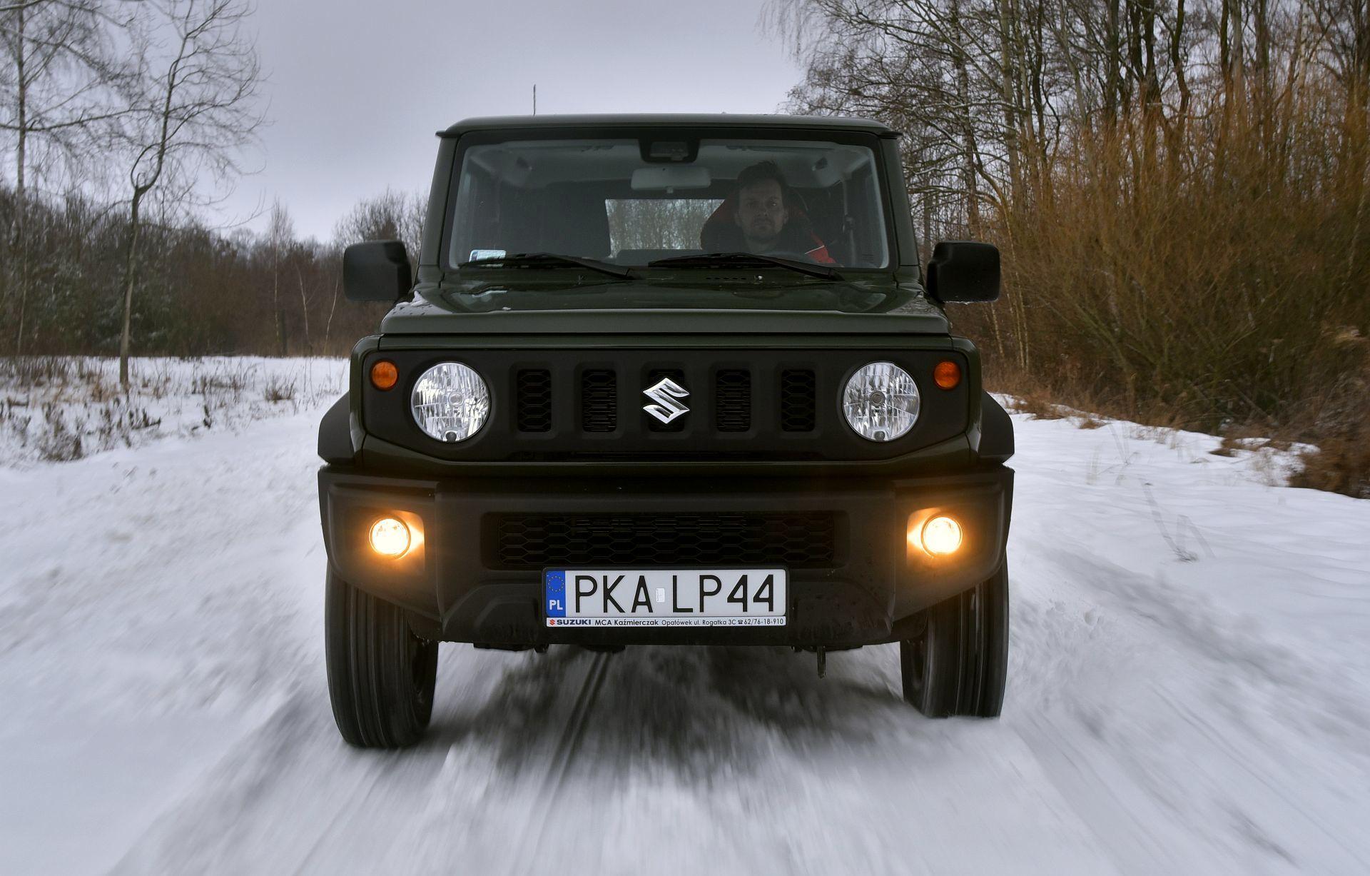 Suzuki Jimny фото спереди
