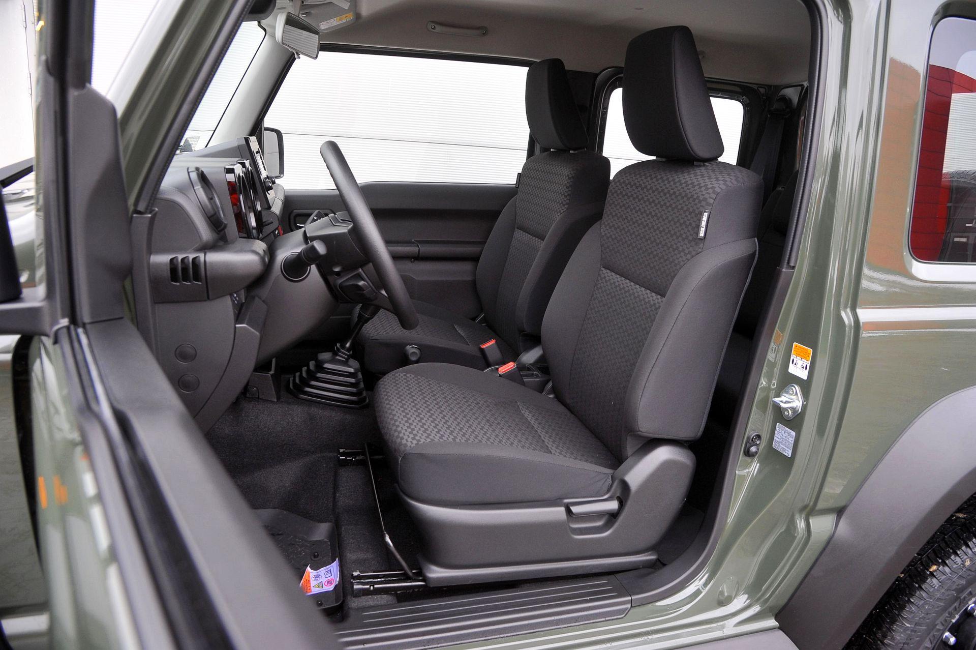 uzuki Jimny передние сидения