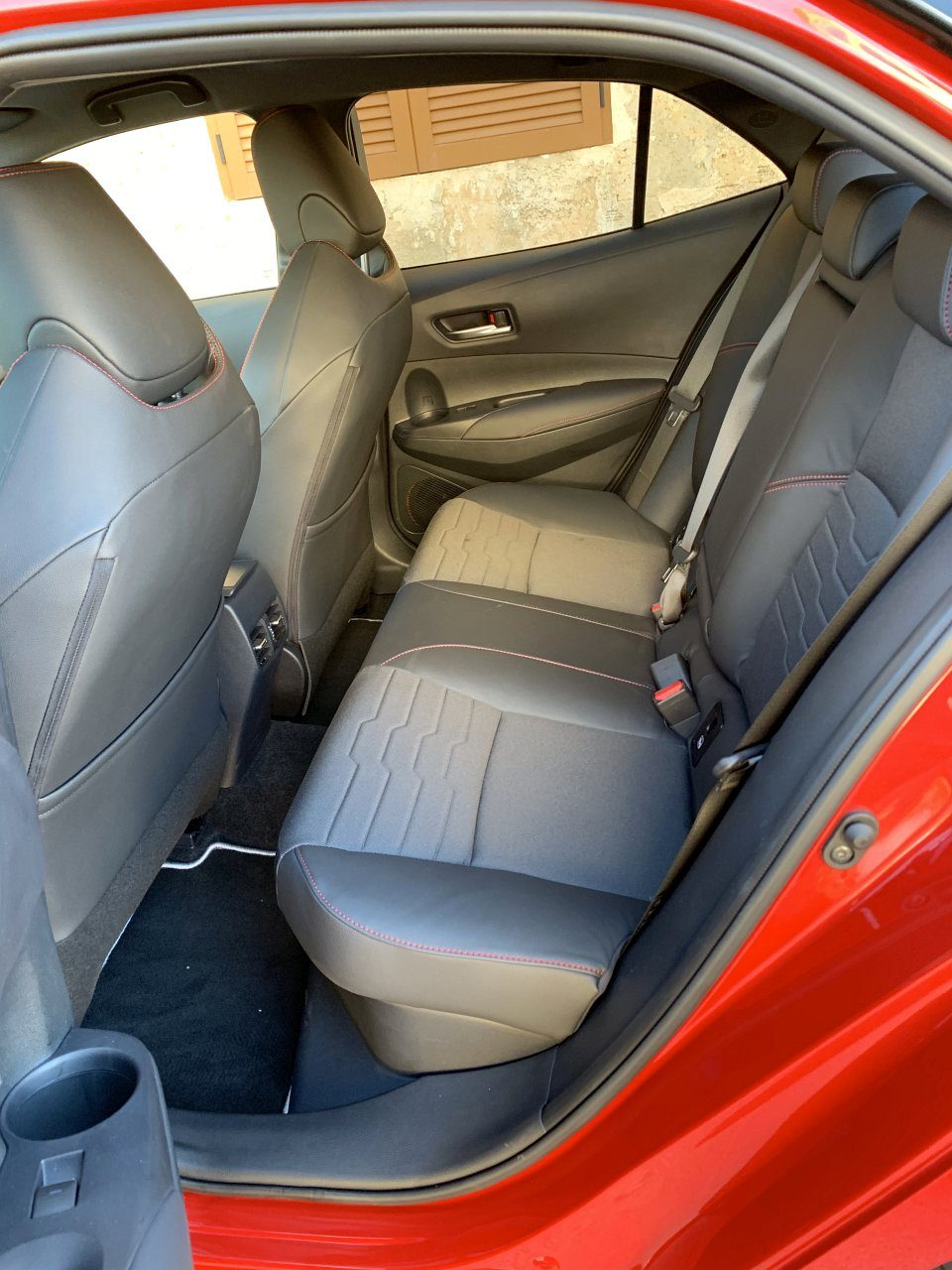 Toyota Corolla задние сидения