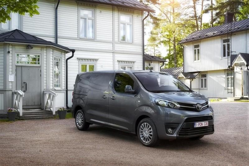 Toyota Proace фото