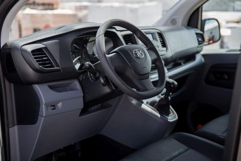 Toyota Proace салон