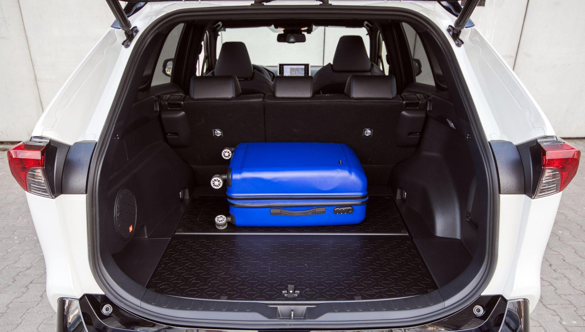 Toyota RAV4 2.5 багажник
