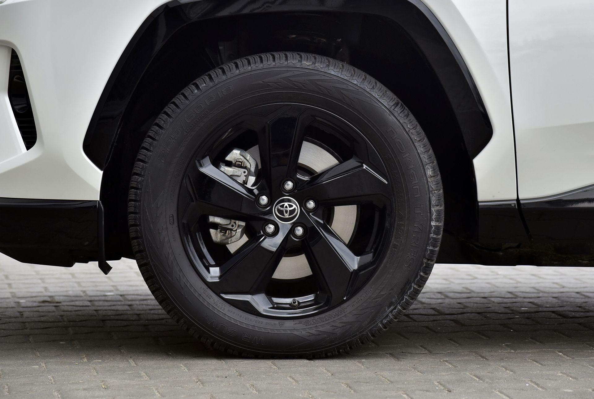 Toyota RAV4 2.5 диски