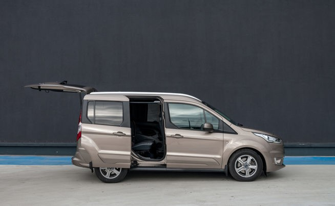 Ford Tourneo Connect 1.5 EcoBlue с автоматом