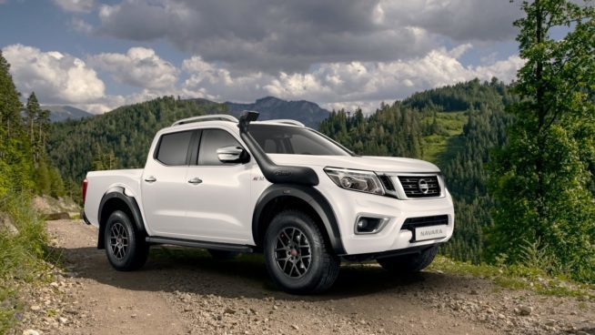 Nissan Navara AT32 с пакетом Arctic Trucks