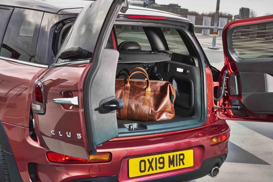 Mini Clubman вид багажник