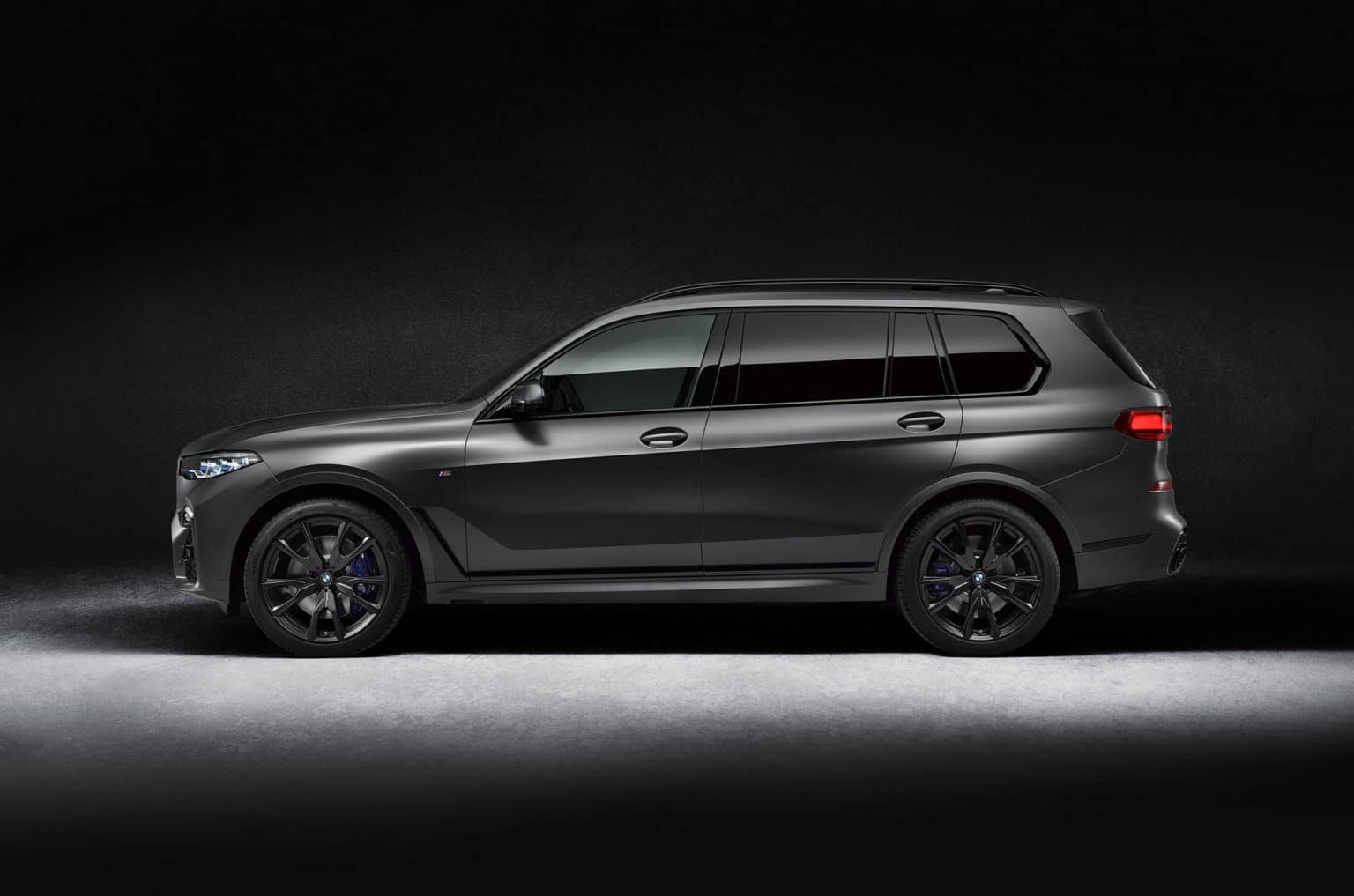 BMW X7 Dark